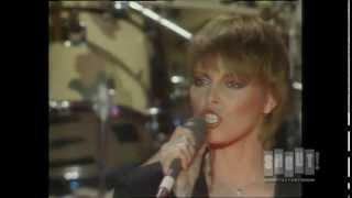 Pat Benatar - Hell Is For Children (Live On Fridays)