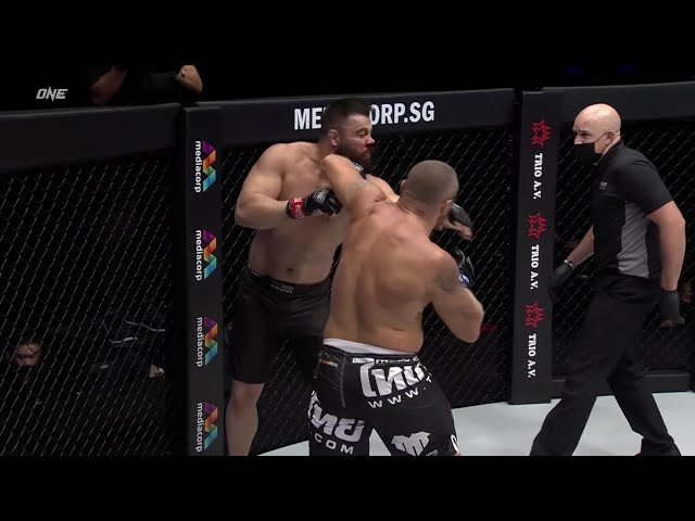 Training For The Knockout: Anatoly Malykhin vs Amir Aliakbari