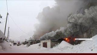 Гаражный комплекс загорелся в Алдане