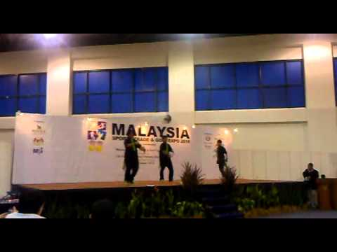 Rhythmic Underground Squad (RUS) Comp At THE MINES.MALAYSIA SPORTS TRADE & GOLF EXPO 2010.mp4