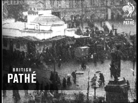 Long Live Kerensky - Pro-Ally Demonstration In Petrograd (1917)