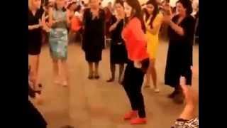 Repeat youtube video Hacıqabullu rəqqasə toyda....