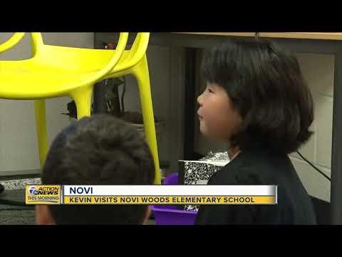 Kevin visits Novi Woods Elementary School