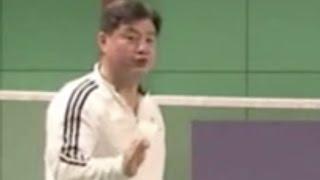 (十二)单打反手接杀步伐 Badminton Footwork 12