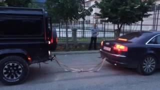 Audi A8 4.2 TDI vs Land Rover Defender 2.5 (Tropoje) Tag of War