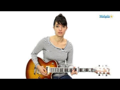 How to Play D Over C Sharp D/C# on Chord on Guitar