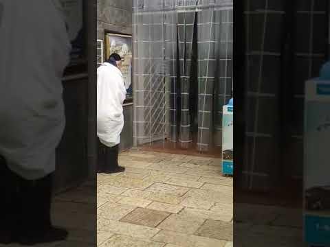 """הרב דב קוק בתפילה מול ציון רבי מאיר בעל הנס - כ""""ז סיון תשע""""ט"""
