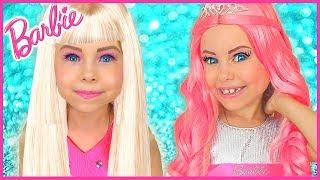 Alice finge jugar princesa Barbie - Historias divertidas para niños