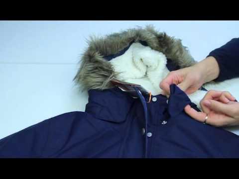 Водонепроницаемая утепленная женская куртка-парка с капюшоном прямого кроя celine от шведского производителя didriksons. Это самая теплая женская куртка в модельном ряде шведского бренда. Данная модель отлично подойдет для холодной зимы, она очень теплая и отлично защищает от влаги и.