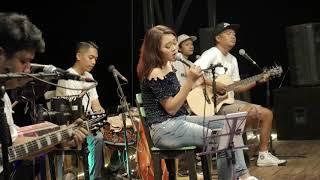 PUJAAN ATI - DERRADRU live perform gunung kuniran