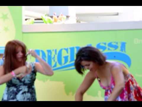 Degrassi Mall Tour 8142004 Honolulu, HI Stacy Farber Melissa McIntyre