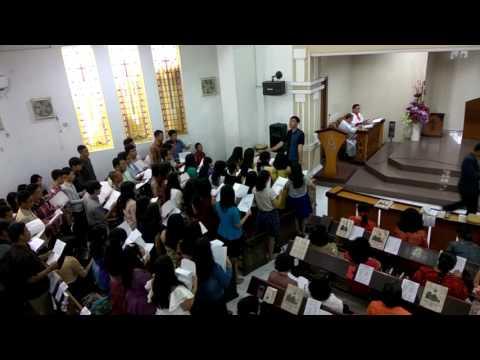 Koor NHKBP Malang - Dia Hanya Sejauh Doa