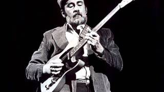 Watch Roy Buchanan When A Guitar Plays The Blues video
