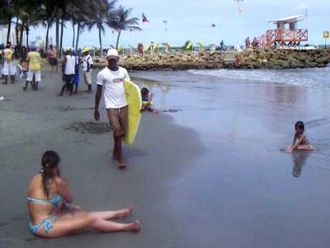 Playa de cartagena de indias y piscina hotel decameron for Cerramiento para piscinas colombia