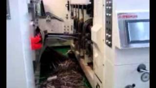 Гофрокартон-2.mp4(Машина, которая делает из листа гофрокартона заготовку для картонной коробки. Этап, который не удалось..., 2011-06-18T17:01:06.000Z)