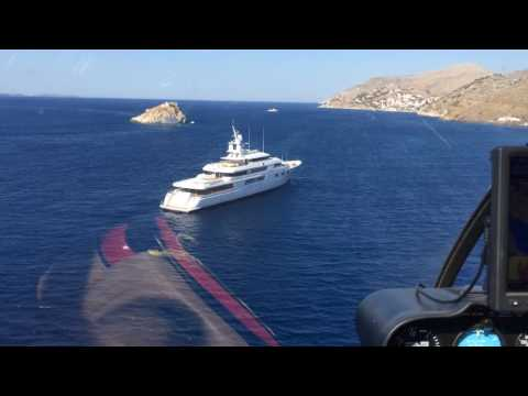 Helicopter yacht landing