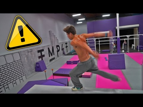 CRAZY FALL AT TRAMPOLINE GYM!