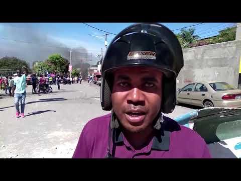 Haitians block roads over fuel shortage