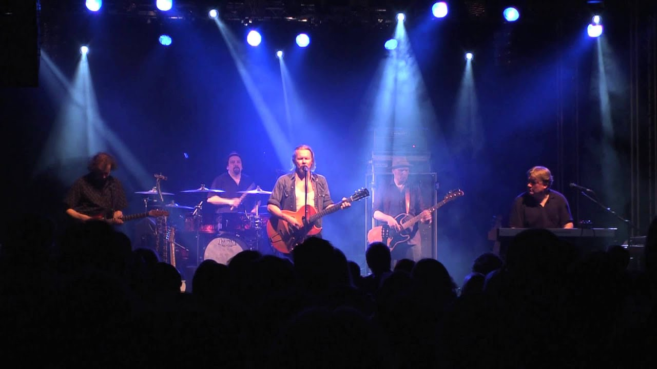 j-karjalainen-kolme-cowboyta-live-2742013-jkarjalainenkanava