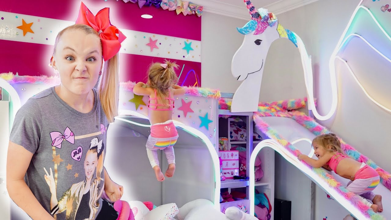 Destroying Jojo Siwa S New Room She Got Mad Youtube