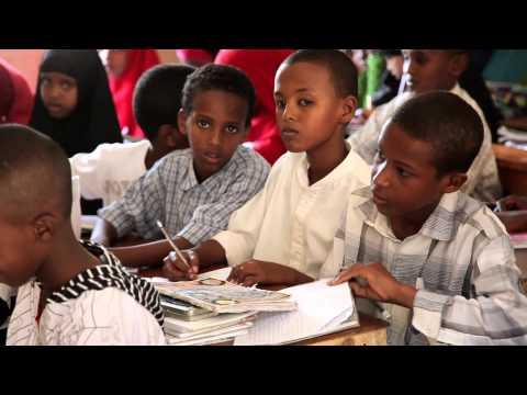 """الفرق بين مدارسنا ومدارس إفريقيا - مشاري الخراز - برنامج: """"أحلى رحلة"""" حلقة ١٤"""