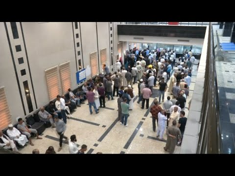 أخبار عربية - ليبيون يضطرون لإنفاق مدخراتهم بسبب الأزمة الاقتصادية  - 13:23-2017 / 11 / 16
