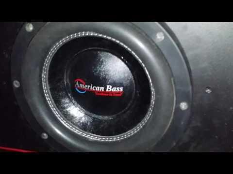 2 American Bass XFL 10's