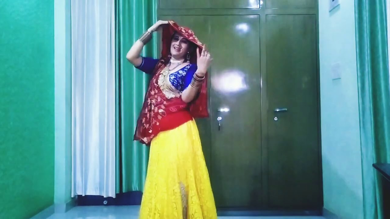 song...Maia thaari chunari laya ye  dancer... RB Choudhary