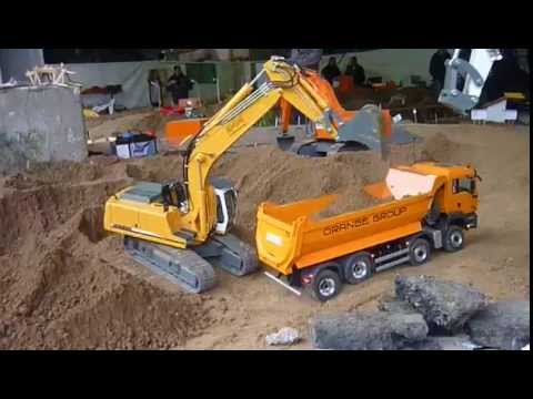 RC Excavator and RC Truck 8x8 @ the Construction Site