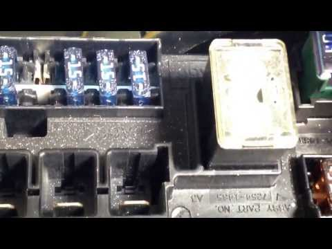 Replacing the battery fuse on a Nissan Frontier.