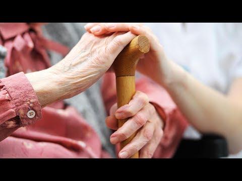 Как оформить одинокого пенсионера в дом престарелых