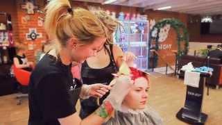 Обучение парикмахеров. Яркое окрашивание волос