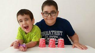 Buğra ile Berat Top Nerede Oyunu Oynadı. Eğlenceli Çocuk Videosu