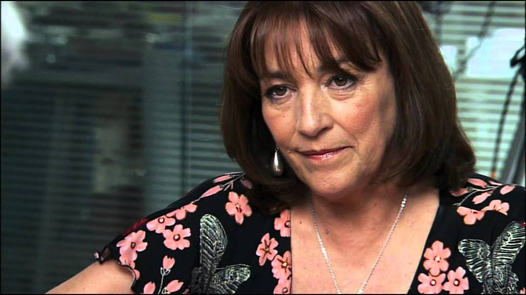 Ver Almodóvar entrevista a las actrices de 'Volver' en Español