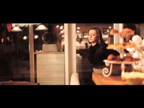 ST feat. Андрей Гризли - Это Ирония судьбы или С легким паром Я твой алкоголик из Москвы...  Я каждый день заикаюсь, что больше не буду Но я не способен на меньше Любой клубок не трудно распутать Трудно найти не распутанных женщин  Путаю адреса,  Слышу го