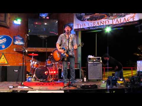 "Andrew Wade - ""That Way Again"" by Lee Brice"