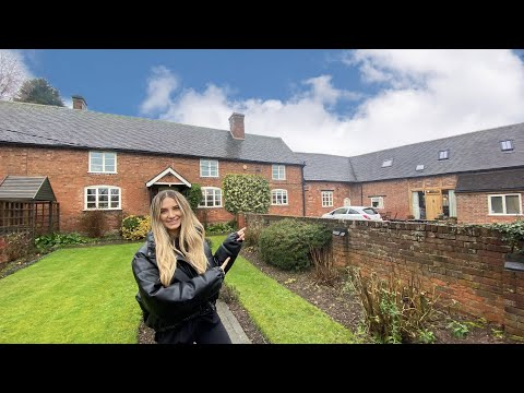 Touring a 10 bedroom country home for sale at £1,250,000! (includes 2 self contained air bnb's!)