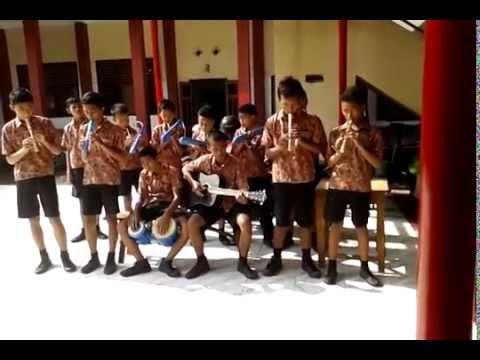 Ansambel Musik Kokoronotomo Kelas IX C SMP N 1 MOJOLABAN Thn 2014/2015