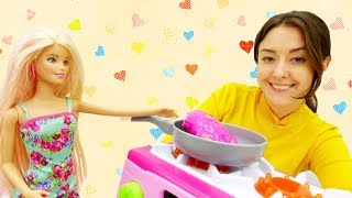 Мультик #Барби: Семья Барби на рыбалке. Готовим рыбу на ужин! Видео для девочек на #Мамыидочки