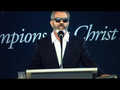 Mel Gibson at Liberty University Commencement