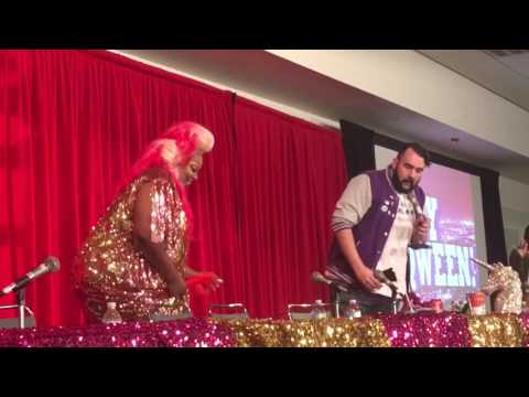 Jonny McGovern & Lady Red Couture take the stage at DragCon 2017 Hey Queen Live
