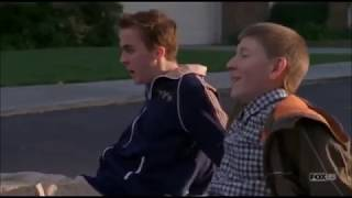 Malcolm in the Middle (S07E17) Malcolm amp; Dewey39;s New Mattress