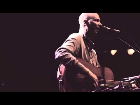 Barton Carroll - This Town is Cold - live in Prague