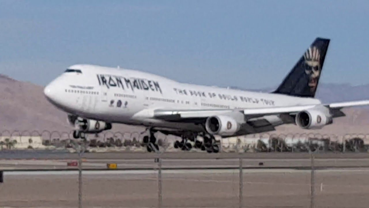iron maiden flying into mccarran airport on ed force one 747 ironmaiden edforceone lasairport. Black Bedroom Furniture Sets. Home Design Ideas