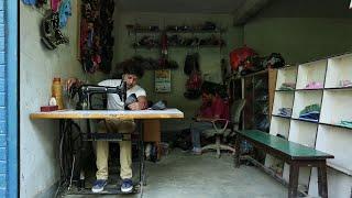 दुर्गेश थापा जुत्ता सिलाउदै आखिर किन? Nepali lok dohori Chhutyo sath| Bikalpa Pariyar & Dikshya