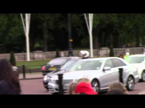 Queen Elizabeth - Leaving Buckingham Palace