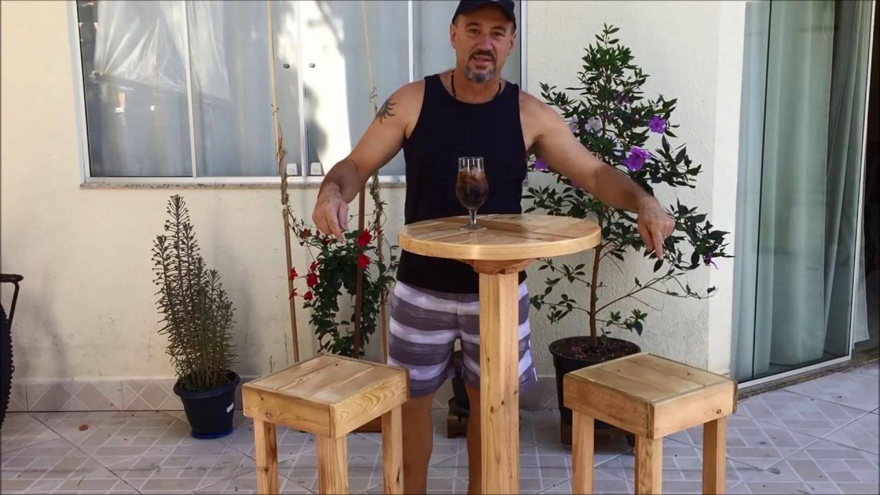 Conjunto de mesa alta e banquetas de bar feitas com palets youtube - Mesas altas de bar ...