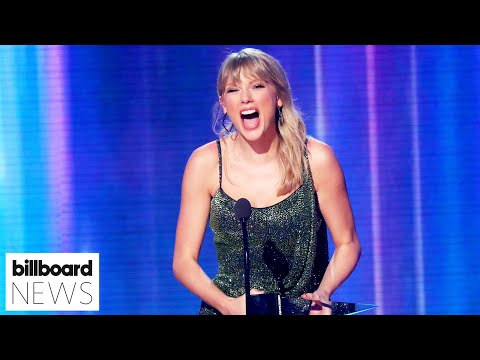 """Taylor Swift Earns Her Ninth No.1 Album With """"Fearless""""