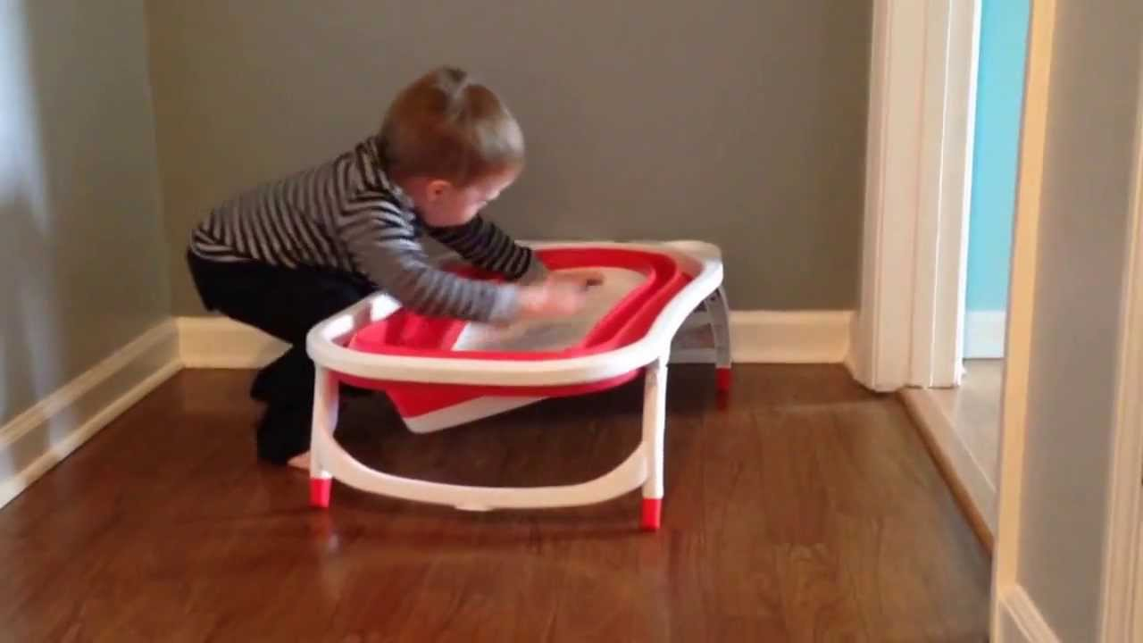 Phil Demonstrates the Karibu Folding Baby Bathtub - YouTube