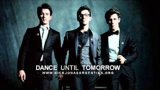 Dance until tomorrow - Jonas Brothers (Lyrics + Español)